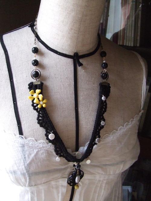 水玉とお花ネックレス